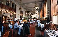 Restaurant im Repraesentationshaus (Obecni Dum), Prag, Tschechien, Unesco-Weltkulturerbe.