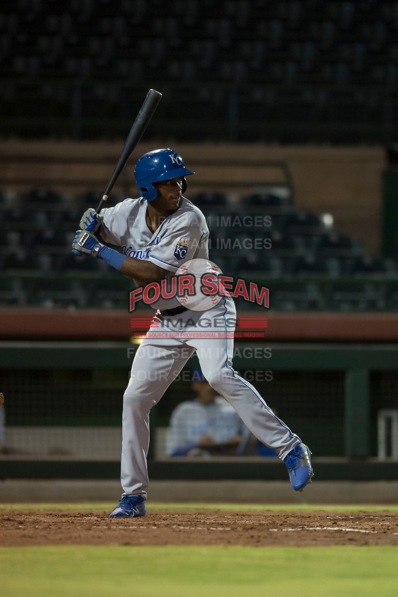 AZL Royals left fielder Isaiah Henry (17) at bat during an Arizona League game against the AZL Giants Black at Scottsdale Stadium on August 7, 2018 in Scottsdale, Arizona. The AZL Giants Black defeated the AZL Royals by a score of 2-1. (Zachary Lucy/Four Seam Images)
