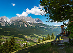 Oesterreich, Tirol, Reith bei Kitzbuehel, oberhalb von Going: Panoramablick von der Hollenauer-Kreuz Jausenstation auf das Wilder Kaiser Gebirge | Austria, Tyrol, Reith near Kitzbuhel, above Going: panoramic view from Alpine snack bar 'Hollenauer-Kreuz' at Wilder Kaiser mountains