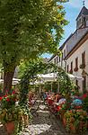 Deutschland, Bayern, Oberpfalz, Regensburg: Biergarten, Cafe, Restaurant des Hotels Bischofshof am Dom | Germany, Bavaria, Upper Palatinate, Regensburg: Beer Garden, Cafe, Restaurant of Hotel Bischofshof am Dom