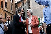 ROMANO PRODI E ROSY BINDI.Roma 30/05/2011 Festeggiamenti a Piazza del Pantheon in seguito alla vittoria delle elezioni amministrative 2011 a Milano e Napoli..Photo Samantha Zucchi Insidefoto