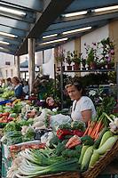 Europe/Espagne/Guipuscoa/Pays Basque/Saint-Sébastien: Le marché de La Bretxa se trouve dans le vieux quartier de Saint Sébastien - Etal de fruits et légumes
