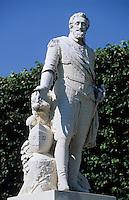 Europe/France/Aquitaine/64/Pyrénées-Atlantiques/Pau: La statue de Henri IV sur la place Royale