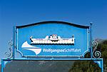 Austria, Salzburger Land, Salzkammergut, resort Strobl at Lake Wolfgang: landing stage of Lake Wolfgang excursion boats, sign | Oesterreich, Salzburger Land, Salzkammergut, Urlaubsort Strobl am Wolfgangsee: Anlegestelle der Wolfgangsee-Schifffahrt, Schild