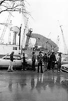 1975 10 20 - LAB - Greve chantier olympique