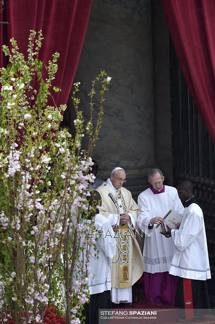 Pope Francis During the Easter Mass  in St. Peter's Square, at the Vatican. 5 April 2015
