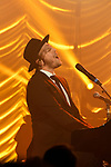 Gavin Degraw en concert acoustique a Paris au Trianon