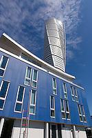 Hochhaus Turning Torso (Architekt Santiago Calatrava) am Westhafen,  Malmö, Provinz Skåne (Schonen), Schweden, Europa<br /> Skyscraper Turning Torso (architect Santiago Calastrava), Westport  in Malmo, Sweden