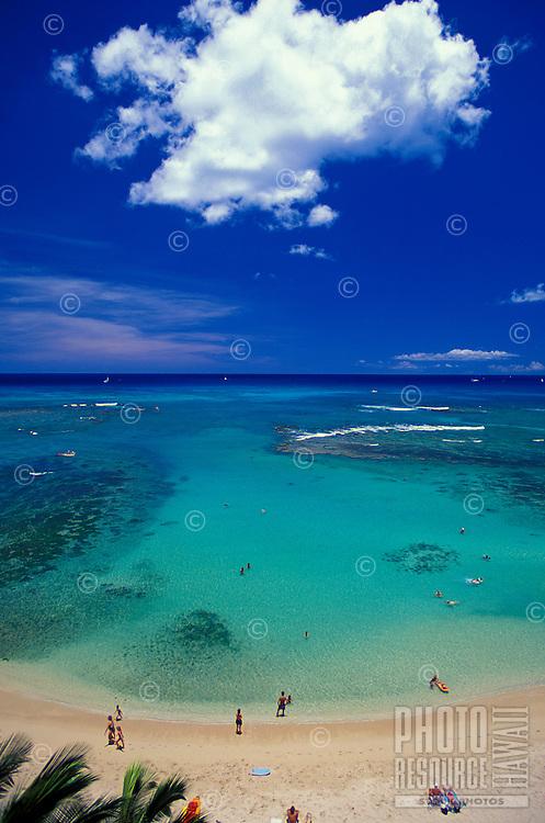 Kaimana Beach (Sans Souci Beach) viewed from the New Ohtani Beach Hotel