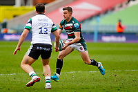 28th March 2021; Mattoli Woods Welford Road Stadium, Leicester, Midlands, England; Premiership Rugby, Leicester Tigers versus Newcastle Falcons; George Ford of Leicester Tigers moves play wide as Lucock of Necastle moves in