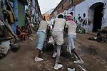 Migrant labourers at work in Kolkata.West Bengal, India, 2009 Arindam Mukherjee