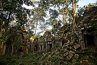 The remote Bantey Ampoeu temple and ruins, Cambodia