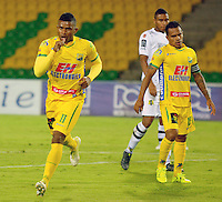 ARMENIA - COLOMBIA -15 -08-2015: Jhony Cano, jugador de Atletico Huila, celebra el gol anotado a Alianza Petrolera, durante partido entre Atletico Huila y Alianza Petrolera, por la fecha 6 de la Liga Aguila II-2015, jugado en el estadio Centenario de la ciudad de Armenia. / Jhony Cano, player of Atletico Huila, celebrates a scored goal Alianza Petrolera, during a match between Atletico Huila and Alianza Petrolera, the  date 6of the Liga Aguila II-2015 at the Centenario Stadium in Armenia city. Photo: VizzorImage / Inti / Cont.