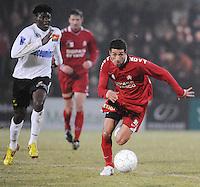 KSV Roeselare - KV Kortrijk..Mohamed Messoudi met het spurtduel naar de bal toe. Bertin Tomou (links) probeert mee te spurten..foto VDB / BART VANDENBROUCKE