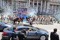 BUENOS AIRES, ARGENTINA, 10 DEZEMBRO 2011 - POSSE CRISTINA KIRCHNER PRESIDENCIA ARGENTINA - Cristina Fernandez de Kirchner é vista deixando o Congresso Nacional onde fez o juramento e assumiu o seu segundo mandato como presidente eleita da Argentina, na tarde deste sábado, 10, em Buenos Aires, capital da Argentina. (FOTO: PATRICIO MURPHY - NEWS FREE).