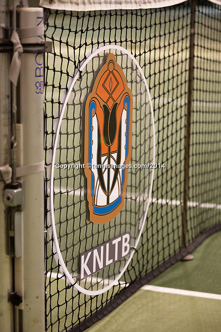 Hilversum, The Netherlands, 05.03.2014. NOVK ,Nat.Indoor Veterans Championships of 2014, KNLTB logo in net<br /> Photo:Tennisimages/Henk Koster