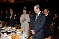 """Tony Comper, President and Chief<br /> Executive Officer of BMO Financial Group and co-founder of FAST (Fighting Antisemitism Together) is applauded by the head table after he   address the Canadian Club of Montreal on  """"Why non-Jews must confront antisemitism"""", September 11 2006.<br /> Photo by Pierre Roussel / Images Distribution"""