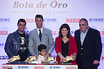 Real Madrid´s Cristiano Ronaldo poses with his family in front of the the 2014-15 Golden Boot award in Madrid, Spain. October 13, 2015. (ALTERPHOTOS/Victor Blanco)