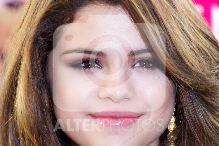 """Selena Gomez attends the photocall to promote his series 'Wizards of Waverly Place' and presents his album """"A Year Without Rain""""at Me Hotel in Madrid.Photo: Billy Chappel  / ALFAQUI"""
