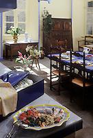 Europe/France/Bretagne/29/Finistère/Quimper: Bar poché à l'infusion d'étrilles, photographié dans la cuisine du Château de Guilguifin à Landudec