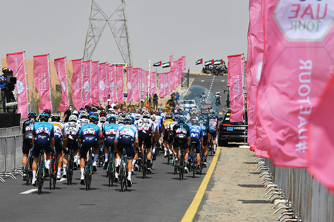 The start of Stage 1 of the 2021 UAE Tour the ADNOC Stage running 176km from Al Dhafra Castle to Al Mirfa, Abu Dhabi, UAE. 21st February 2021.  <br /> Picture: LaPresse/Gian Mattia D'Alberto | Cyclefile<br /> <br /> All photos usage must carry mandatory copyright credit (© Cyclefile | LaPresse/Gian Mattia D'Alberto)