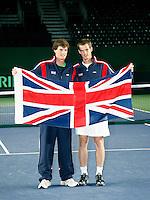 5-4-07, England, Birmingham, Tennis, Daviscup England-Netherlands, Jamie(l) and Andy Murrey