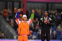 SCHAATSEN: HEERENVEEN: Thialf, Essent ISU World Cup, 02-03-2012, Podium 1500m, Kjeld Nuis (NED), Shani Davis (USA), ©foto: Martin de Jong