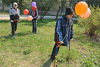 - 20 years from the nuclear incident of Chernobyl, pediatric oncologic hospital of Kiev, the sick children victims of the radiations celebrate the anniversary in their way ....- 20 anni dall'incidente nucleare di Chernobyl, ospedale oncologico pediatrico di Kiev, i bambini malati vittime delle radiazioni celebrano a modo loro l'anniversario