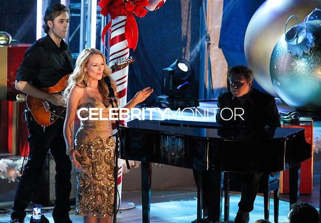 NEW YORK, NY - DECEMBER 04: Jewel attending the 81st Annual Rockefeller Center Christmas Tree Lighting Ceremony held at Rockefeller Center on December 4, 2013 in New York City. (Photo by Jeffery Duran/Celebrity Monitor)