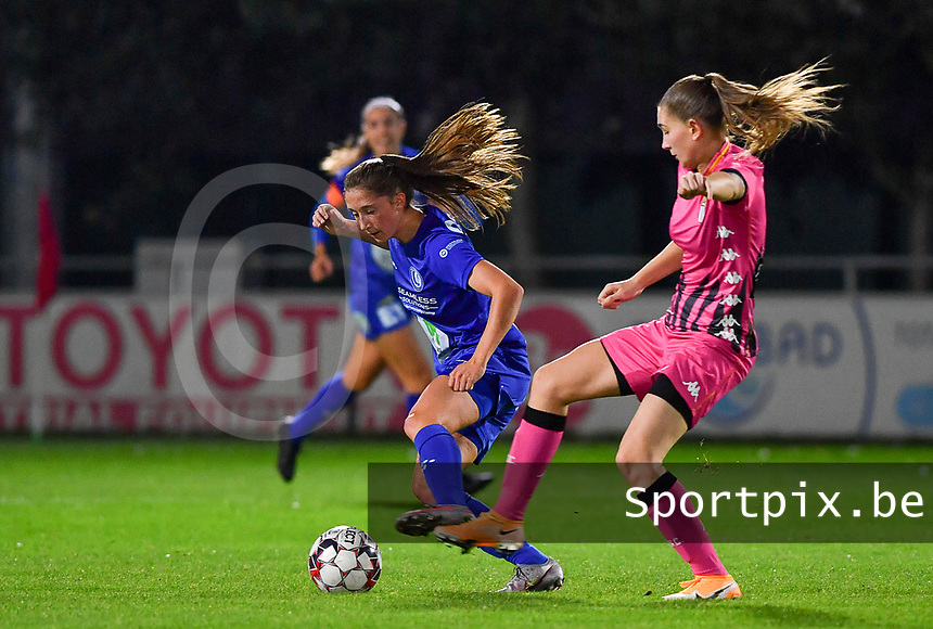 Fran Meersman (5 Gent) pictured in a fight for the ball with Estelle Dessilly (13 Charleroi) during a female soccer game between  AA Gent Ladies and Sporting Charleroi Feminin on the fifth matchday of the 2020 - 2021 season of Belgian Scooore Womens Super League , friday 16 th of October 2020  in Oostakker , Belgium . PHOTO SPORTPIX.BE | SPP | DAVID CATRY
