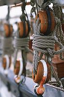 Europe/France/Bretagne/35/Ille-et-Vilaine/Saint-Malo: Détail grément d'un voilier au bassin Dugay-Trouin