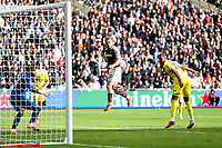 3rd October 2021;   City of London Stadium, London, England; EPL Premier League football, West Ham versus Brentford; Pablo Fornals of West Ham United heads the ball wide late in the game
