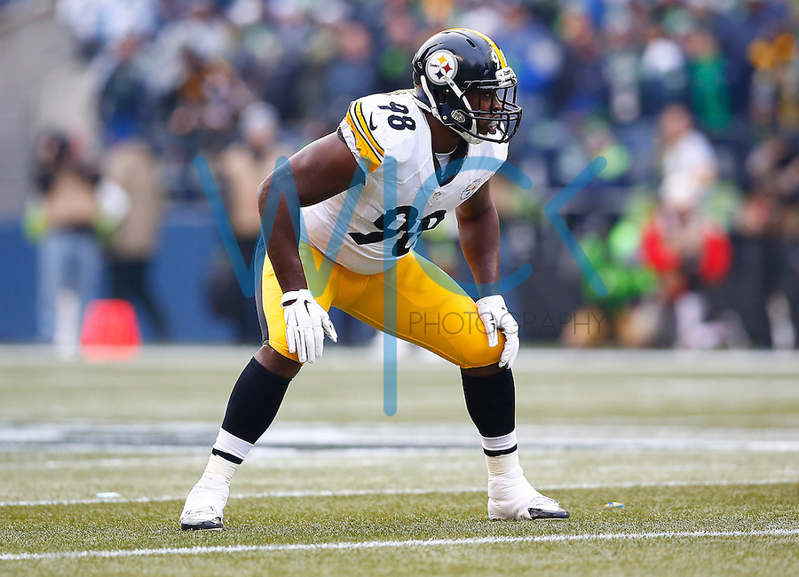 Vince Williams #98 of the Pittsburgh Steelers in action against the Seattle Seahawks during the game at CenturyLink Field on November 29, 2015 in Seattle, Washington. (Photo by Jared Wickerham/DKPittsburghSports)