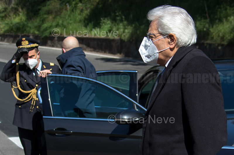 Sergio Mattarella, President of the Italian Republic. <br /> <br /> Rome, Italy. 24th Mar, 2021. Today, Citizens of Rome, Antifascists, various organizations, Institutions and the President of the Italian Republic, Sergio Mattarella, pay tribute to the victims of the Fosse Ardeatine massacre in which, 77 years ago, on the 24th March 1944, 335 people were assassinated by the nazi-fascist occupation troupes in Rome. It was one of the most atrocious massacre perpetrated during World War II for retaliation against the Resistance and the Civilians.    <br /> <br /> Footnotes & Links:<br /> (Source, Treccani.it ITA) http://bit.do/fPZXL <br /> (Source, Jewishvirtuallibrary.org ENG) http://bit.do/fPZXu<br /> (Source, Wikipedia.org ENG) http://bit.do/fPZXW <br /> Today's Events: https://www.facebook.com/events/4526526500707783/ & https://www.facebook.com/events/1096587897511737/