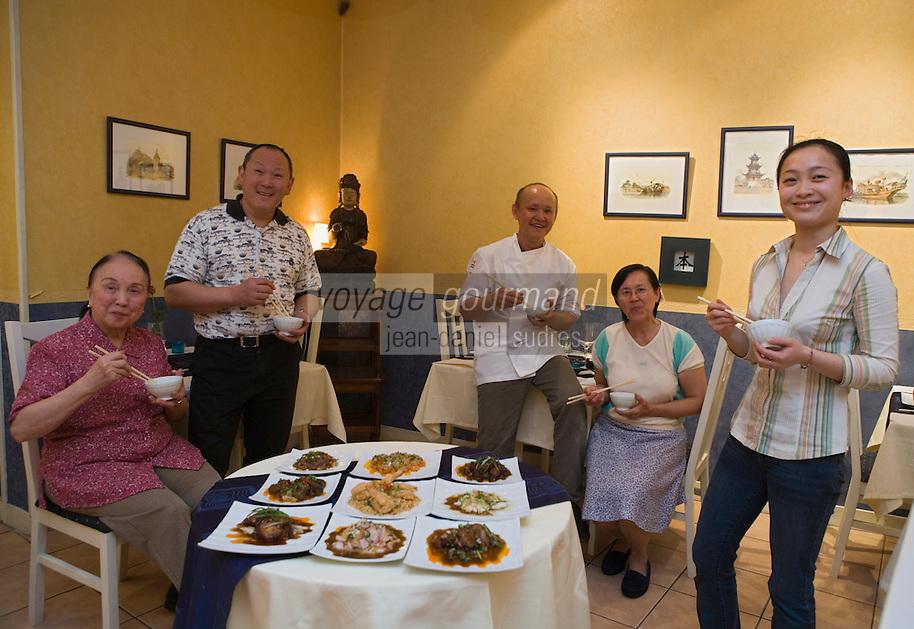 """Europe/France/Aquitaine/33/Gironde/ Bordeaux: Tommy Shan et sa famille Restaurant Chinois """"Au Bonheur du Palais""""<br /> 72-74  rue Paul Louis Lande"""