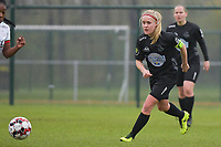 Woluwe's Jana Simons (8) pictured during a female soccer game between SV Zulte - Waregem and White Star Woluwe on the 9th matchday of the 2020 - 2021 season of Belgian Scooore Women s SuperLeague , saturday 12 th of December 2020  in Waregem , Belgium . PHOTO SPORTPIX.BE | SPP | DIRK VUYLSTEKE