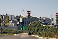 - zona industriale, centrale elettrica....- industrial zone, electric power station