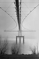 - Fiume Po, metanodotto nei pressi della città di Cremona<br /> <br /> - Po river, a pipeline near the city of Cremona