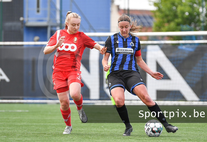 Gwyneth Vanaenrode (3) of Standard  pictured fighting for the ball with Ellen Martens (2) of Club Brugge during a female soccer game between Club Brugge Dames YLA and Standard Femine de Liege on the seventh matchday in Play-Off 1 of the 2020 - 2021 season of Belgian Scooore Womens Super League , saturday 15 May 2021  in Brugge , Belgium . PHOTO SPORTPIX.BE | SPP | DAVID CATRY