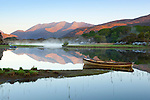 Ireland, County Kerry, near Killarney, Killarney National Park: Upper Lake and Macgillycuddy's Reeks in morning mist | Irland, County Kerry, bei Killarney, Killarney National Park: Morgenstimmung am Upper Lake mit Macgillycuddy's Reeks