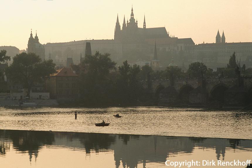 Tschechien, Prag, Blick ueber die Moldau auf Hradschin, Unesco-Weltkulturerbe