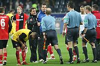 Trainer Thomas Doll (BVB) bedankt sich bei Schiedsrichter Wolfgang Stark<br /> Eintracht Frankfurt vs. Borussia Dortmund, Commerzbank Arena<br /> *** Local Caption *** Foto ist honorarpflichtig! zzgl. gesetzl. MwSt. Auf Anfrage in hoeherer Qualitaet/Aufloesung. Belegexemplar an: Marc Schueler, Am Ziegelfalltor 4, 64625 Bensheim, Tel. +49 (0) 6251 86 96 134, www.gameday-mediaservices.de. Email: marc.schueler@gameday-mediaservices.de, Bankverbindung: Volksbank Bergstrasse, Kto.: 151297, BLZ: 50960101