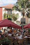 Spain, Canary Islands, La Palma, Santa Cruz de La Palma: capital - old town, Placeta de Borrero, cafe