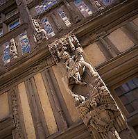 Europe/France/89/Bourgogne/Yonne/Joigny: Détail de la façade d'une vieille demeure à pans de bois