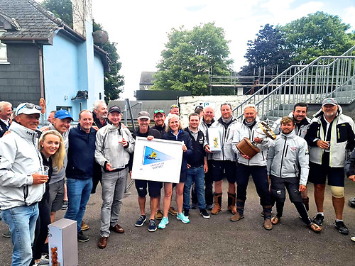 Sovereigns Cup Kinsale 2021, and the successful Howth crews of Snapshot and Samatom get together.