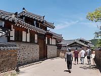 Hahoe Volkskundedorf bei Andong, Provinz Gyeongsangbuk-do, Südkorea, Asien, UNESCO-Weltkulturerbe<br /> Hahoe Folk Village near Andong,  province Gyeongsangbuk-do, South Korea, Asia, UNESCO world-heritage
