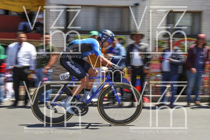 TUNJA - COLOMBIA, 11-02-2020: Robigzon Oyola (TEAM MEDELLIN, COL) durante la primera etapa del Tour Colombia 2.1 2020 con un recorrido de 16,7 km CRE, que se corrió con salida y llegada enTunja, Boyacá. / Robigzon Oyola (TEAM MEDELLIN, COL) during the first stage of 16,7 km TTT of Tour Colombia 2.1 2020 that ran with start and arrival in Tunja, Boyaca.  Photo: VizzorImage / Darlin Bejarano / Cont
