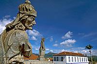 Profetas esculpidos em pedra sabão por Aleijadinho no Santuário de Matosinhos em Congonhas do Campo. Minas Gerais. 1998. Foto de Rogério Reis.