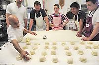- Milano, Fondazione Società Umanitaria, La Casa del Pane 1921 cooperativa sociale, corso professionale per panettieri<br /> <br /> - Milan, Foundation Humanitarian Society, The House of Bread 1921 social cooperative, professional course for bakers