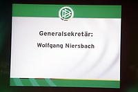 Wahl zum DFB-Generalsekretaer mit Kandidat Wolfgang Niersbach<br /> 39. Ordentlicher DFB-Bundestag in der Rheingoldhalle<br /> *** Local Caption *** Foto ist honorarpflichtig! zzgl. gesetzl. MwSt. Es gelten ausschließlich unsere unter <br /> <br /> Auf Anfrage in hoeherer Qualitaet/Aufloesung. Belegexemplar an: Marc Schueler, Am Ziegelfalltor 4, 64625 Bensheim, Tel. +49 (0) 6251 86 96 134, www.gameday-mediaservices.de. Email: marc.schueler@gameday-mediaservices.de, Bankverbindung: Volksbank Bergstrasse, Kto.: 151297, BLZ: 50960101
